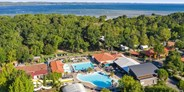 Luxuscamping - Vacanceselect - Mobilheim Privilege Club 4 Pers 2 Zimmer Trop Dusche von Vacanceselect auf Camping Mayotte Vacances