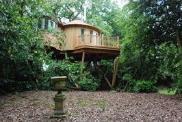 Luxuscamping - Gloucestershire - The Harptree Treehouse