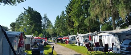 Luxuscamping - Restaurant - Chiemsee - Mietwohnwagen Fendt 515 SG Saphir Saphir am Strandcamping Waging am See