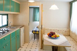 Luxuscamping - WC - Cecina - Mobilheim 6 Pers. auf Camping Mareblu