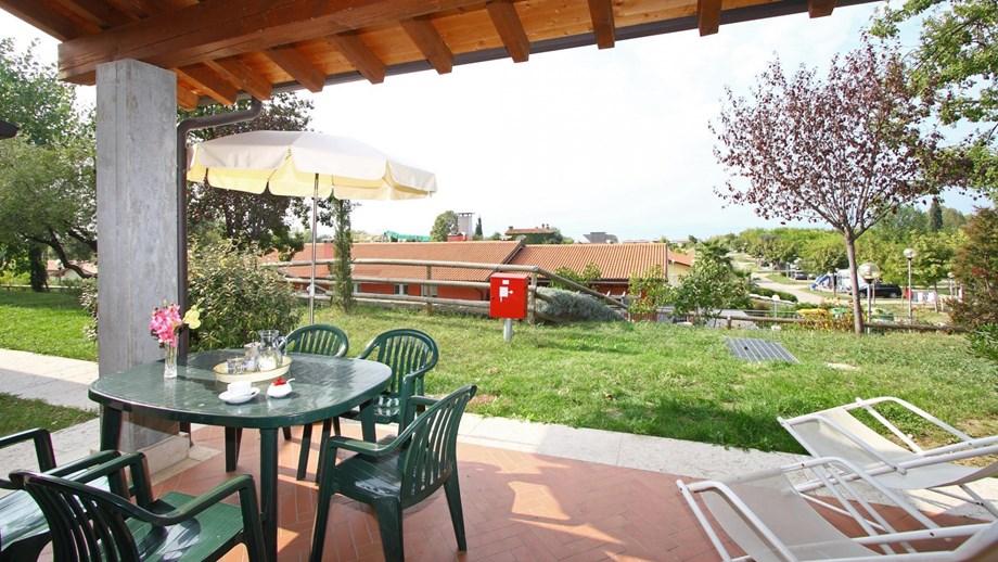 Bungalow virgilio f3 auf camping piani di clodia ihre for Piani di appartamento garage bungalow