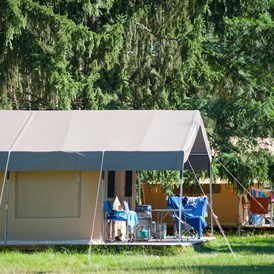 Glampingunterkunft: Zelt Toile & Bois Sweet für 5 Pers. auf Camping Huttopia Les Chateaux