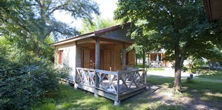 Luxuscamping - Bracieux - Chalet Decouverte für 4 Pers. auf Camping Huttopia Les Chateaux