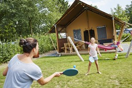 Luxuscamping - Terrasse - Eersel - OutbackLodges auf Ferienpark TerSpegelt