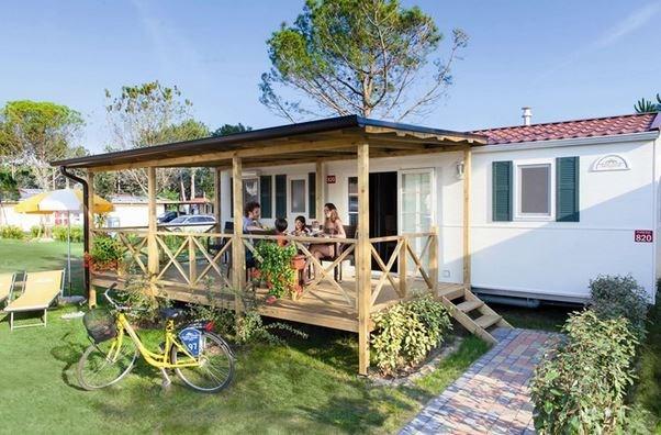 mobilheim mit hund italien bungalow mobilheim am meer. Black Bedroom Furniture Sets. Home Design Ideas