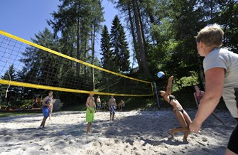 "Glampingunterkunft: Beach Volleyball - Safari-Lodge-Zelt ""Giraffe"" am Nature Resort Natterer See"