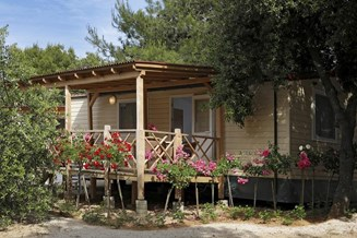 Glampingunterkunft: Solaris Camping Beach Resort - Mobilheim Type Adria Home auf Solaris Camping Beach Resort