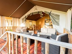 Luxuscamping - Terrasse - Eraclea Mare - Smile Lodge Wood am Portofelice Camping Village
