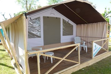 Glampingunterkunft: Smile Safari Wood am Camping Capalonga - Smile Safari Wood am Camping Capalonga
