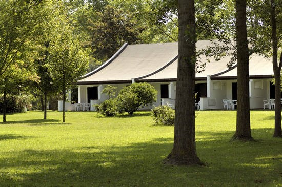 bungalow de luxe b behindertengeeignet auf centro vacanze pra delle torri ihre. Black Bedroom Furniture Sets. Home Design Ideas