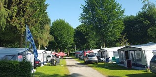 Luxuscamping - W-Lan - Chiemsee - Mietwohnwagen Fendt 550 TFKM Saphir Saphir am Strandcamping Waging am See