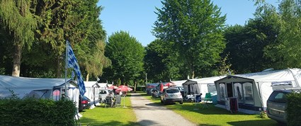 Luxuscamping - Restaurant - Chiemsee - Mietwohnwagen Fendt 550 TFKM Saphir Saphir am Strandcamping Waging am See