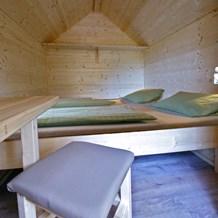 baumhaus auf schwarzw lder hof ihre glampingunterkunft in deutschland. Black Bedroom Furniture Sets. Home Design Ideas