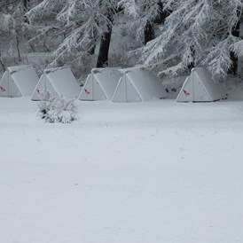 Glampingunterkunft: Shelter im Winter - Pop-Up Hotel am Camping Attermenzen