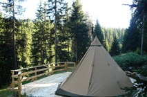 Luxuscamping: Natur und Ruhe pur! Gemütliches Tipi an wundervoller Lage. - Tipis am Camping Chapella