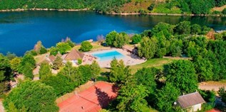 Luxuscamping - Canvas Holidays - Cantal - Lodgetent 5 Personen 2 Schlafzimmer von Canvas auf Camping Domaine des Tours