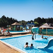 Luxuscamping - Swimmingpool - Morbihan - Mobilheim Cosy 6 Personen 2 Schlafzimmer von Canvas auf Camping Conguel