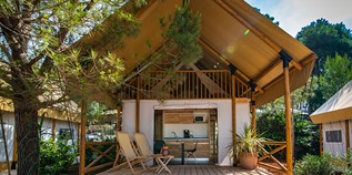 Luxuscamping - W-Lan - Pomer - Premium two bedroom safari loft tent auf dem Arena One 99 Glamping