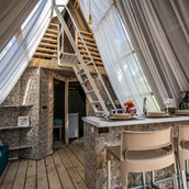 Luxuscamping: Two bedroom lodge tent auf dem Arena One 99 Glamping