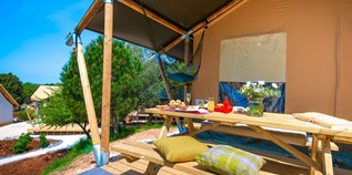 Luxuscamping - Pula - Two bedroom tent auf dem Arena One 99 Glamping