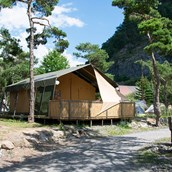 Luxuscamping: Villatent Luxe auf Camping River