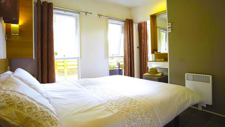 Luxus-Mobilheim Aspect mit drei Schlafzimmern am Camping Domaine de ...